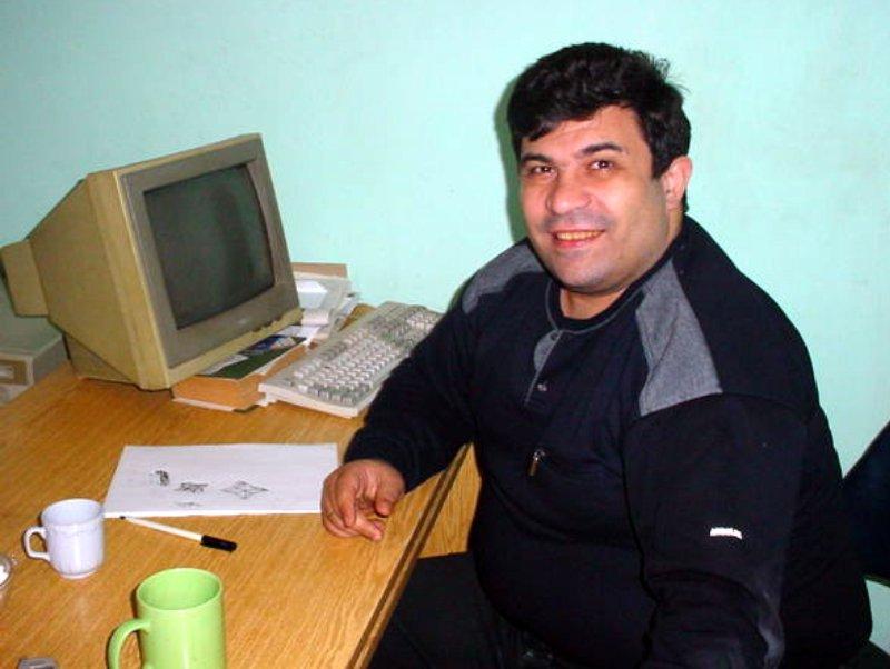 """Elmar Hüseynovun bacısı: """"Gəlin çalışır ki, qardaşım oğlunu görməyək""""  - See more at: http://cebhe.info/oxu/6000/#sthash.GP7vqRt0.dpuf"""